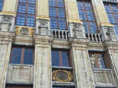Each building in La Grand-Place has dates of construction